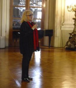 Iva Hüttnerová na vernisáži své výstavy na zámku ve Slavkově u Brna.